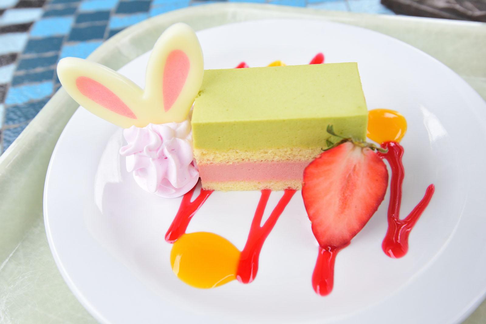 プラザパビリオン・レストラン  ディズニー・イースター2019 スペシャルセット ピスタチオ&ストロベリームースケーキ