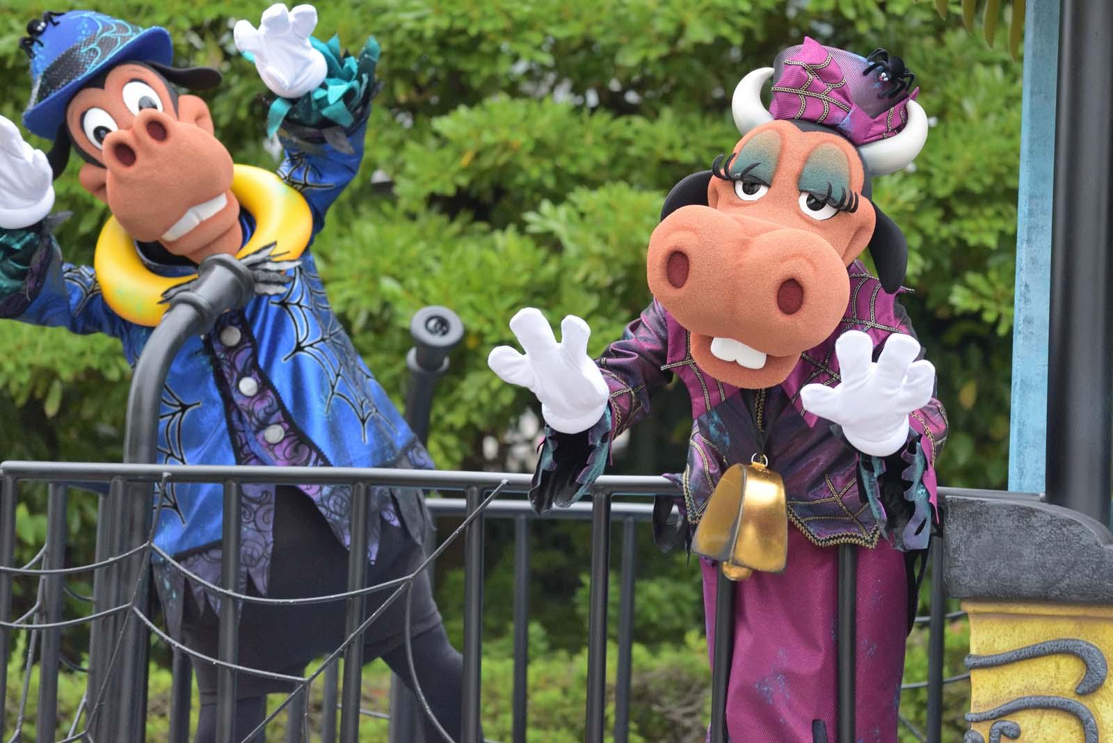 """スプーキー""""Boo!""""パレード2019 クララベル・カウ ホーレス・ホースカラー"""